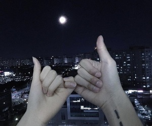 couple, ulzzang, and hands image