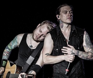 brent smith, zach myers, and shinedown image