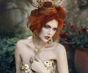 redhead gold queen and amanda diaz photo image