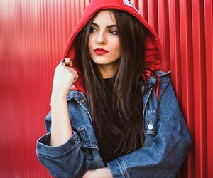girl, victoria justice, and fashion image