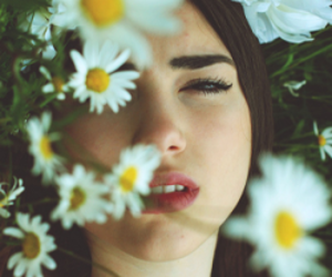 dua lipa and flowers image