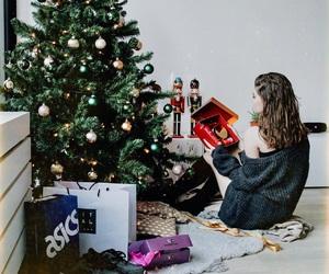 christmas, cosy, and girl image