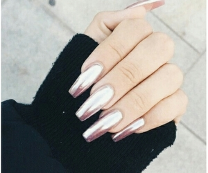 aesthetic, nails, and sweter image