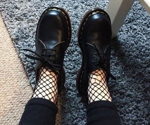 shoes, black, and dr martens image