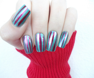 nails and stripes image