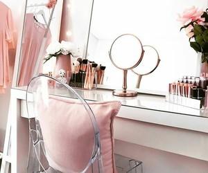 pink, أنثى, and مكياج image