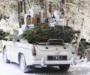 car and christmas image