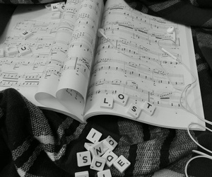 black-and-white, photographie, and scrabble image
