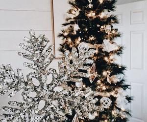 home, winter+holidays, and christmas+snowflake image