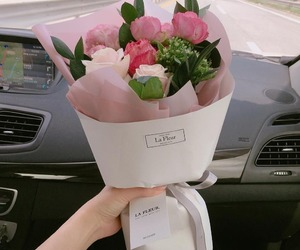 boquet and flowers image