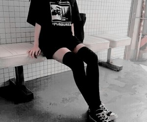 black, aesthetic, and grunge image