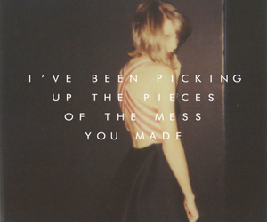 Taylor Swift, 1989, and song image