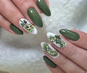 christmas, green, and nailpolish image