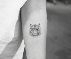 black and white, noir et blanc, and tatoo image
