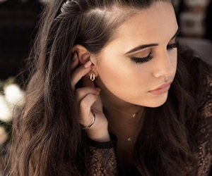 bea miller and hairstyle image