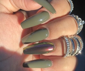 nails, fashion, and green image
