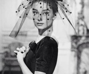 audrey hepburn, black and white, and fashion image