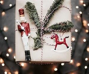 christmas, gift, and gift wrapping image