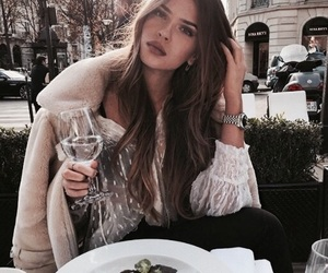 girl, fashion, and lunch image