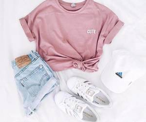 beauty, tshirt, and chic image