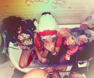 girl, party, and bath image