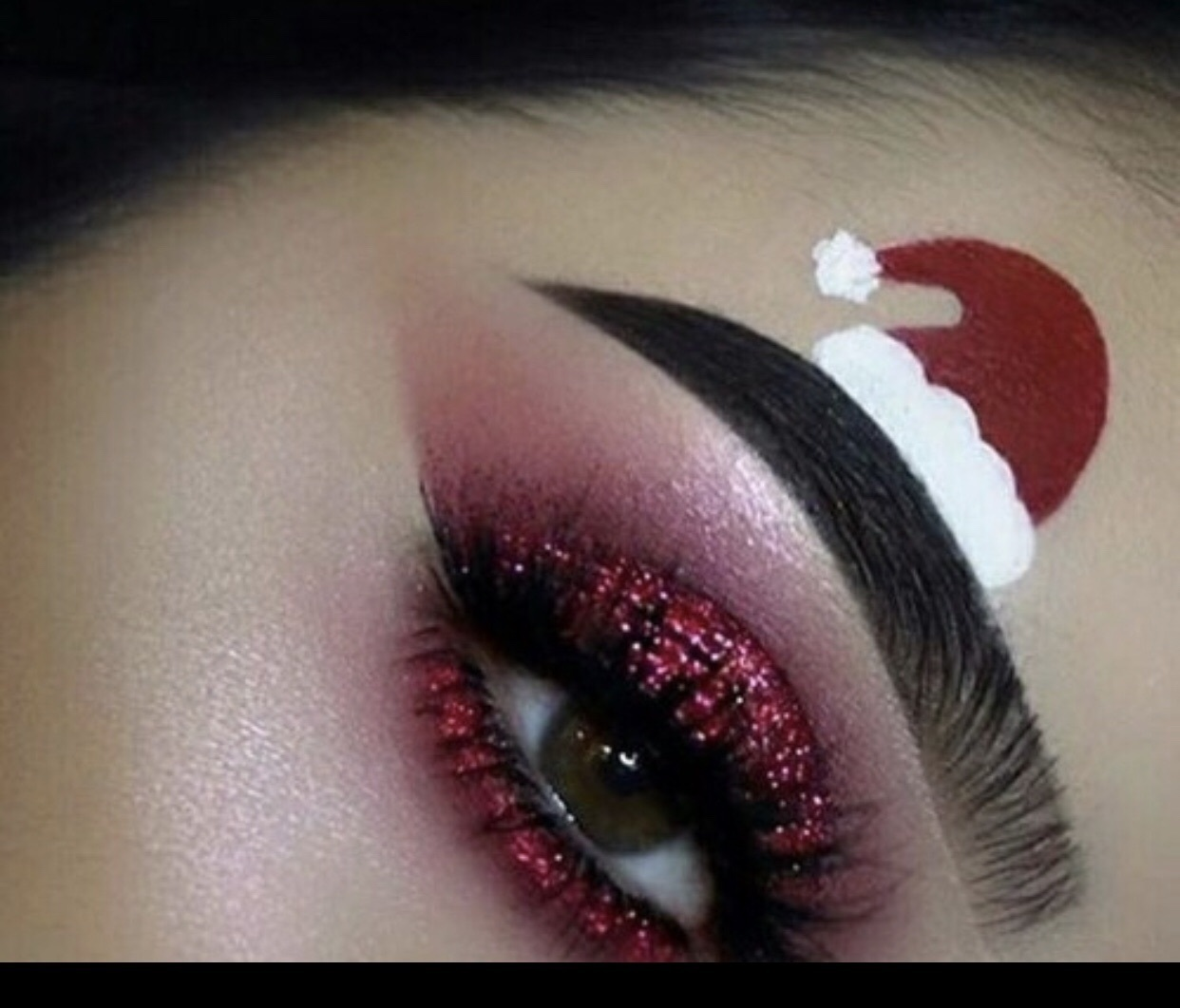 ✨♥️Red glitter gam Christmas hat makeup look♥️✨