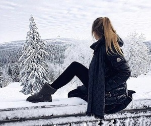 girl, fashion, and holiday image