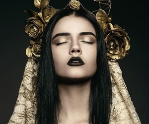 gold, black, and beauty image