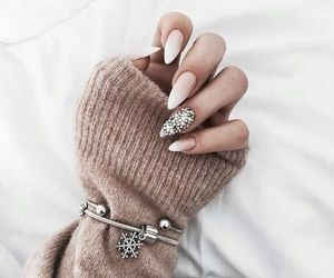 nails, style, and winter image