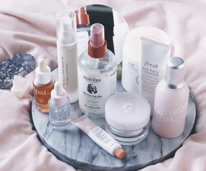 thayers and glossier image
