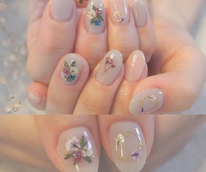nails and flower image