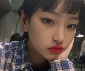 girl, korean, and lips image