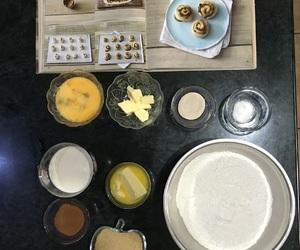 bake, cinammon, and cinnamon roll image