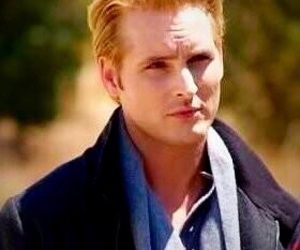 actor, Peter Facinelli, and Carlisle Cullen image