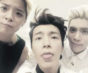 amber, donghae, and SHINee image