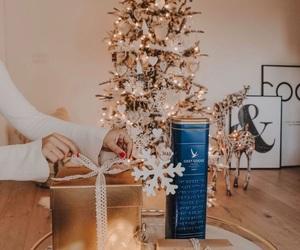 Christmas time, gifts, and whi holiday vibes 2017 image