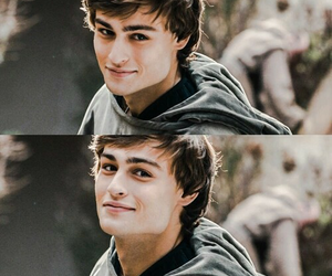 douglas booth, romeo and juliet, and movie image