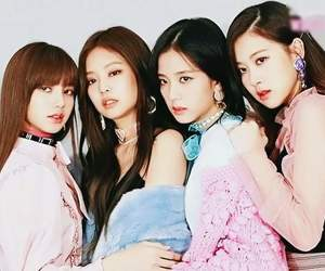 k-pop, blackpink, and lisa image