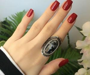 nail and red image