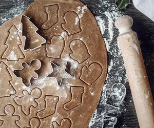 christmas and biscuits image