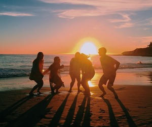 fun, friends, and praia image