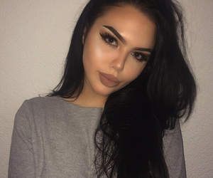 makeup, ray, and women image