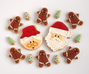 christmas, gingerbread, and gingerbread cookies image