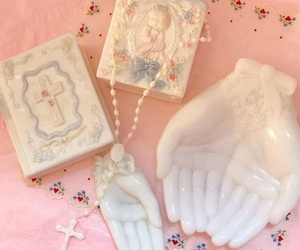 aesthetic, angel, and rosary image