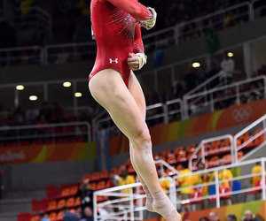 gymnastic and aly raisman image
