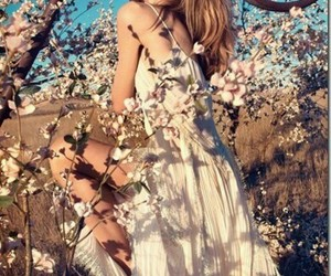 flowers, indie, and girl image