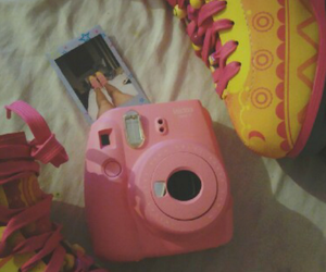 instax, polaroid, and instantaneo image