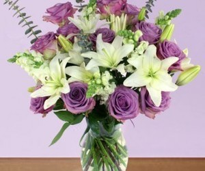 order flowers online and celebration bouquet image