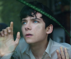 blue eyes, asa butterfield, and asa image