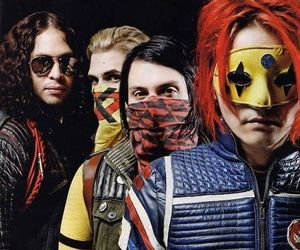 mcr, my chemical romance, and gerard way image